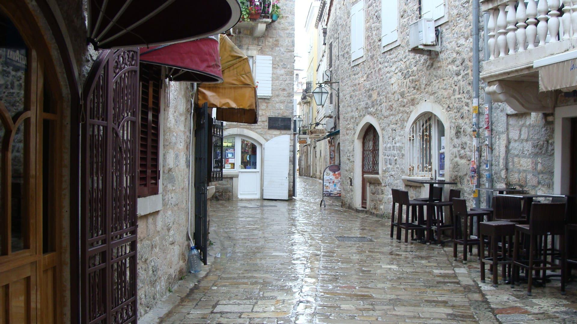 Улица города Бар, Черногория