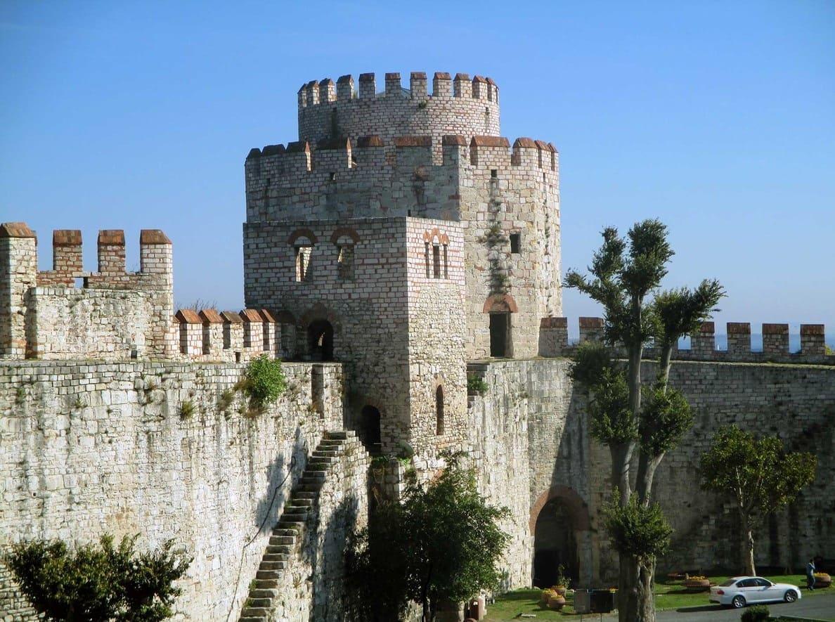 Йедикуле Семибашенный замок